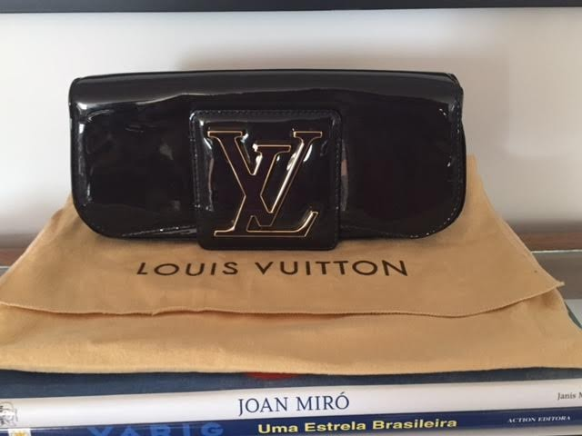 Clutch verniz- Louis Vuitton (NOVA)