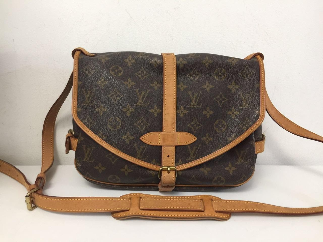 Bolsa modelo Sammur PM- Louis Vuitton